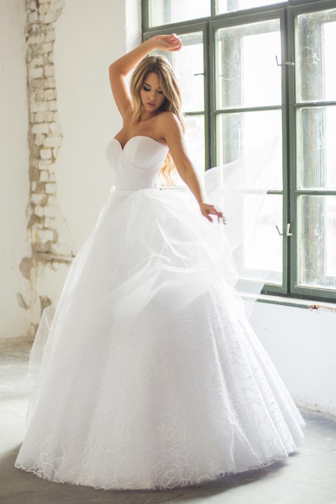 ae42f6fcfc NAPLES. NAPLES Esküvői Ruha. YEAR 2016; KATEGÓRIA Menyasszonyi ...