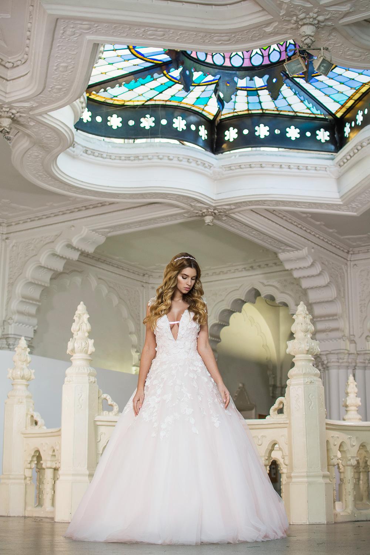 ceb08d2ed9 Menyasszonyi Ruha Kollekció 2017 @ La Rose Esküvői Ruhaszalon